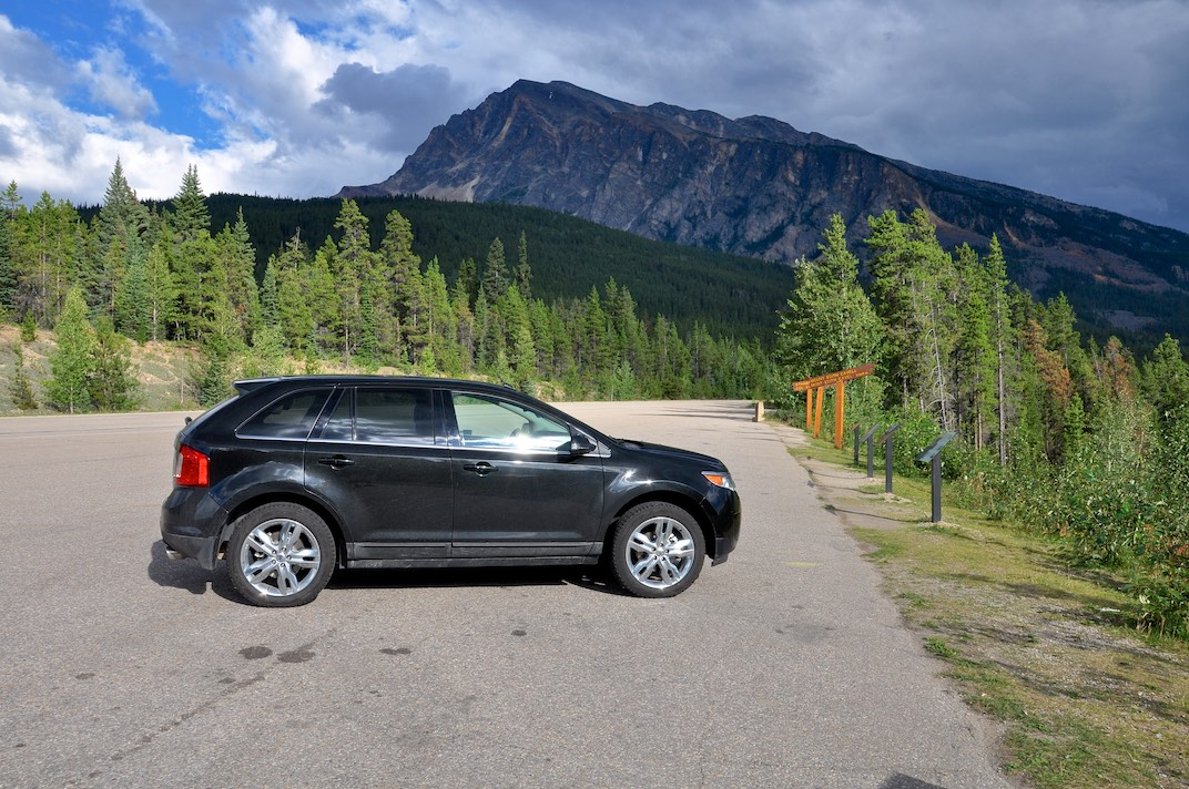 Athabasca Pass Lookout