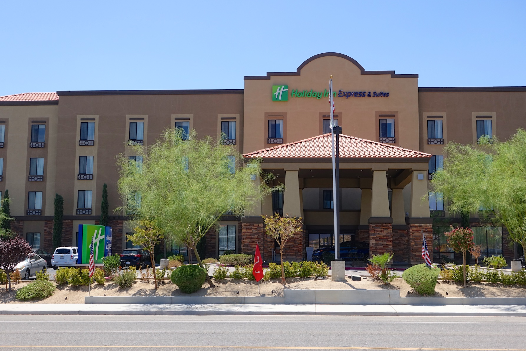 Holiday Inn Express & Suites, Twentynine Palms