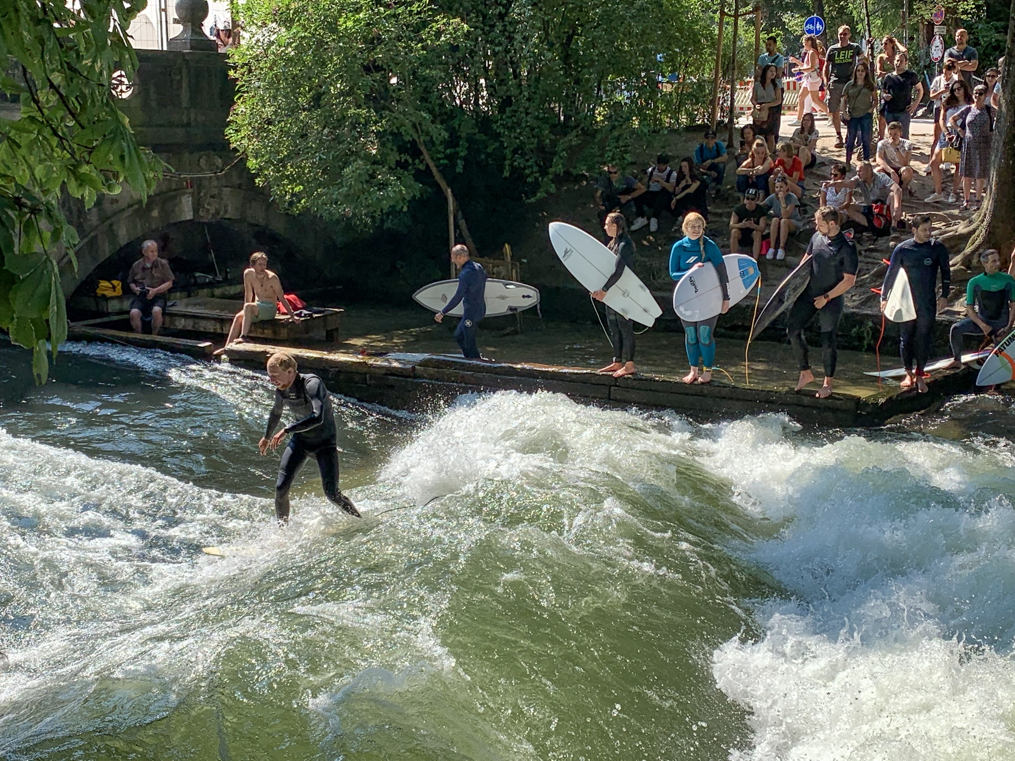 21 Reasons to love Munich: Eisbach surfers' delight