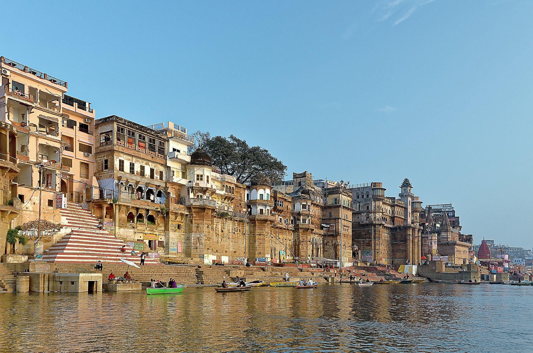 India - Varanasi Ghat